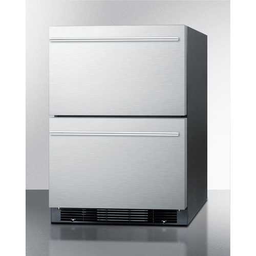 SPRF2D5IM Refrigerator Freezer Angle