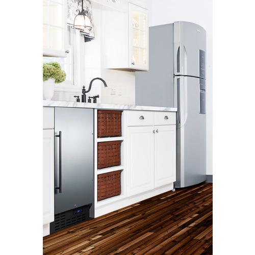 FF1843BCSSADA Refrigerator Set