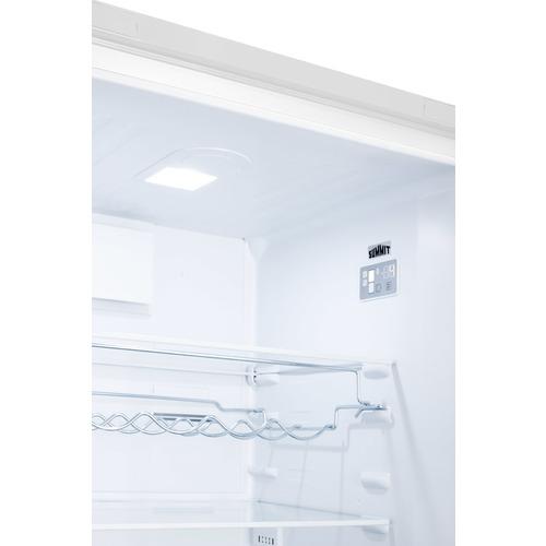 FFBF241W Refrigerator Freezer Detail