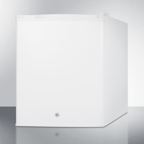 FFAR25L7BI Refrigerator Angle