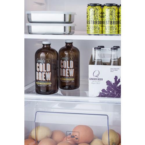 FF1427W Refrigerator Freezer Detail