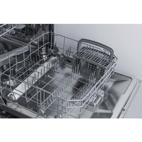 DW2435SS Dishwasher Detail