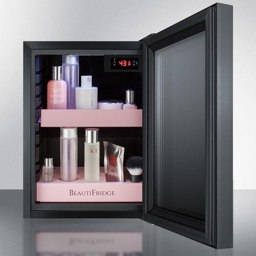 LX114LPT1 Refrigerator Full