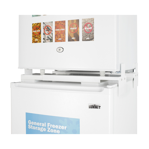 AZRF7W Refrigerator Freezer Detail