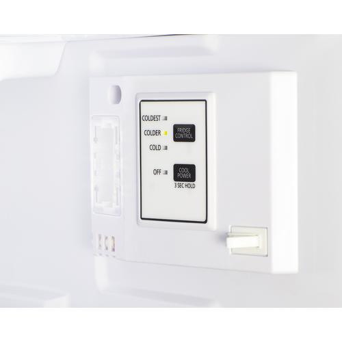FF711ES Refrigerator Freezer Detail